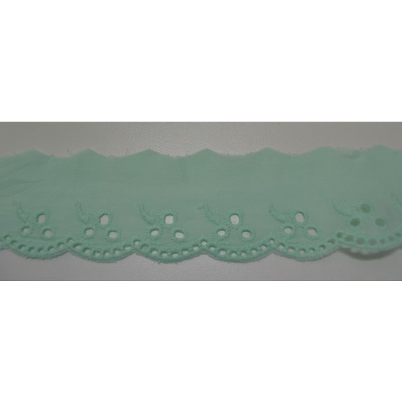 Broderie Spitze ca 4,2 cm Blume hell mint